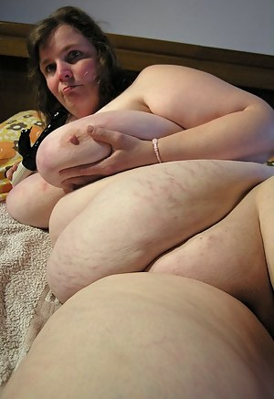 Naked SSBBW Moms Porn Pictures