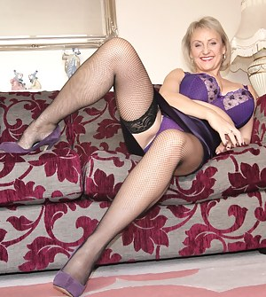 Naked Moms Legs Porn Pictures