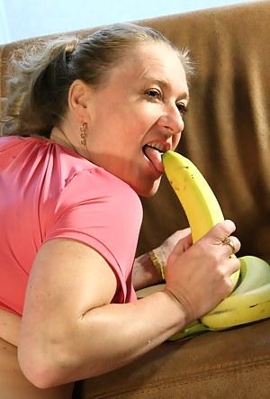 Naked Moms Food Porn Pictures