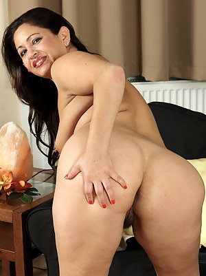 Naked Latina Moms Porn Pictures