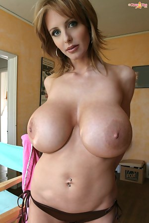 Naked Moms Nipples Porn Pictures