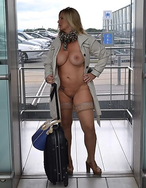 Naked Moms Public Porn Pictures