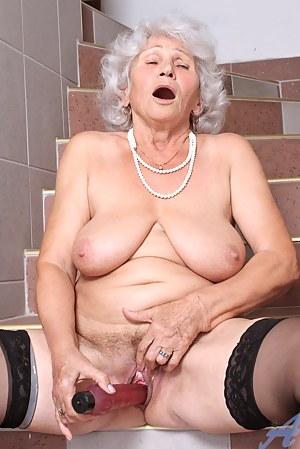 Naked Moms Orgasm Porn Pictures