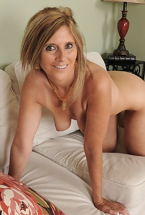 Pics mom naked Nude Mom