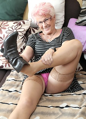 Naked Moms Boots Porn Pictures