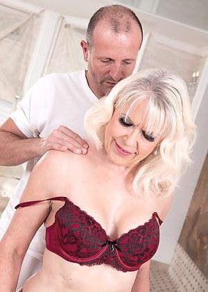 Naked Moms Massage Porn Pictures