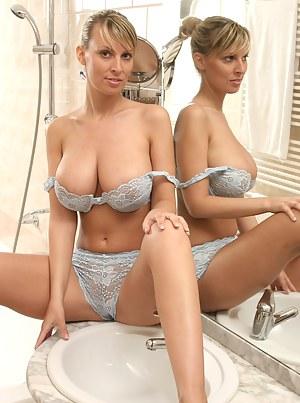 Naked Moms Lingerie Porn Pictures
