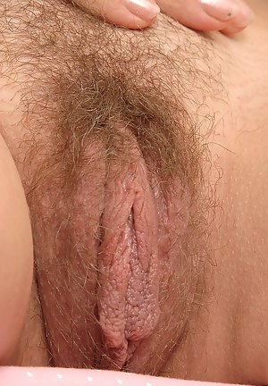 Naked Moms Hairy Pussy Porn Pictures