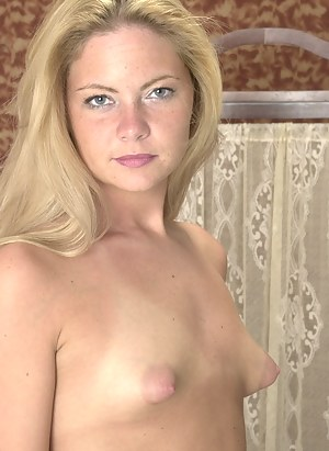 Naked Small Tits Moms Porn Pictures