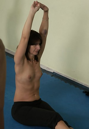 Naked Fitness Moms Porn Pictures