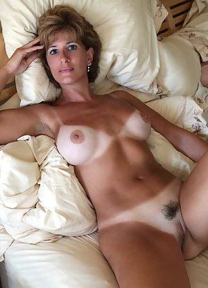 Naked Moms Porn Pictures