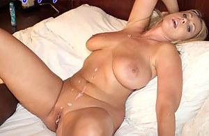 Naked Moms Cumshot Porn Pictures
