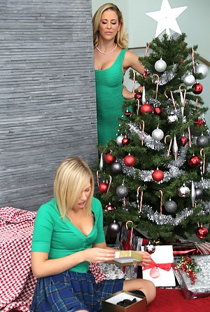 Naked Moms Christmas Porn Pictures