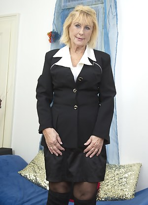 Naked Moms Uniform Porn Pictures