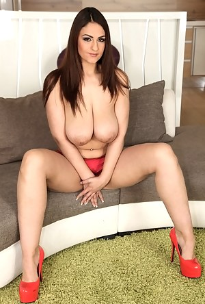 Naked Big Boobs Moms Porn Pictures