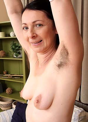Naked Hairy Moms Porn Pictures