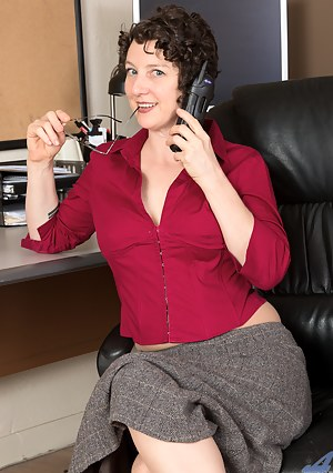 Naked Moms Office Porn Pictures