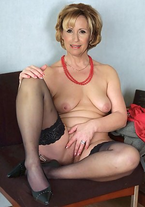 Nude moms sexy Hot Naked