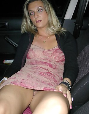 Naked Moms Upskirt Porn Pictures