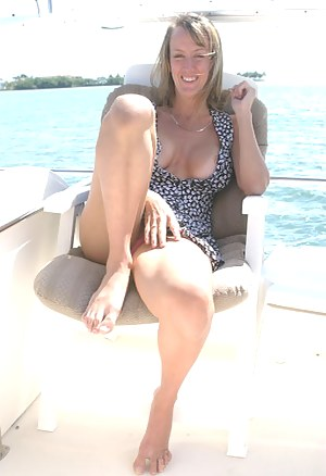 Naked Moms Boat Porn Pictures