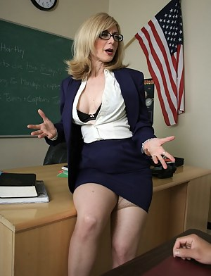 Naked Moms Teacher Porn Pictures