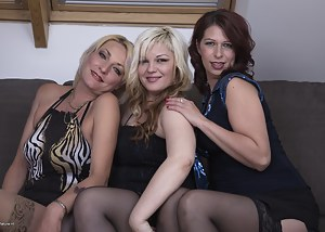 Naked Moms Lesbian Orgy Porn Pictures