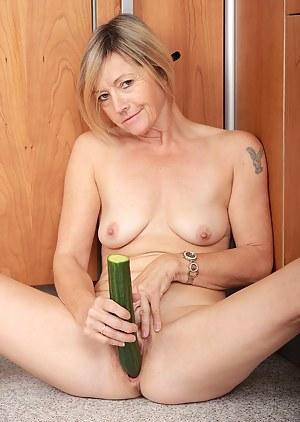 Naked Moms Fetish Porn Pictures