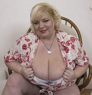 Naked BBW Moms Porn Pictures