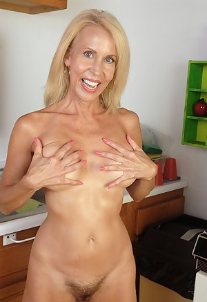 Naked Moms Nails Porn Pictures
