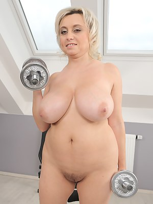 Naked Moms Gym Porn Pictures