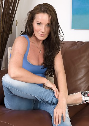 Naked Moms Jeans Porn Pictures