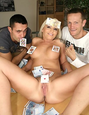 Naked Moms Money Porn Pictures