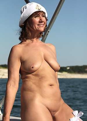 Can Mature nude sunbathing mom recommend