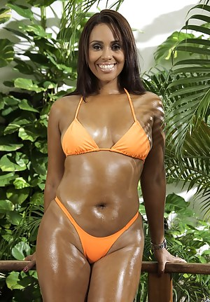 Naked Ebony Moms Porn Pictures
