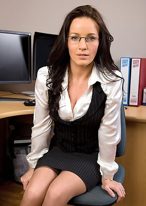 Naked Moms Secretary Porn Pictures