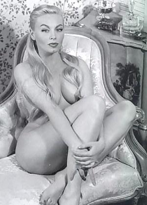 Naked Moms Vintage Porn Pictures