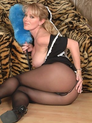 Naked Moms Maid Porn Pictures