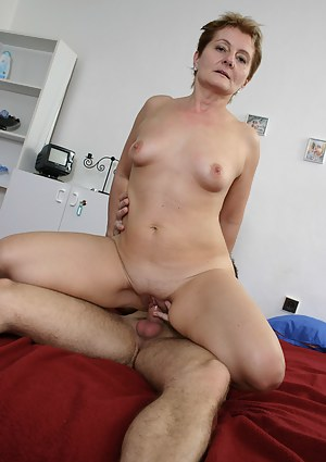 Naked Moms Cowgirl Porn Pictures
