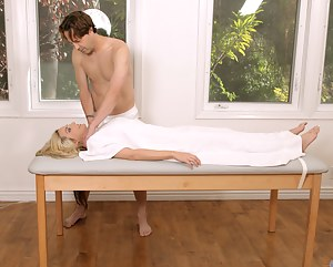 Naked Moms Massage Porn Pictures
