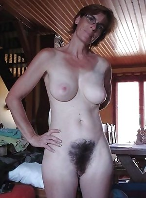 Natural hairy mom ass-naked photo